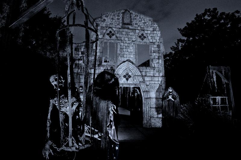 davis-graveyard-2011-night-1-3193-2-1